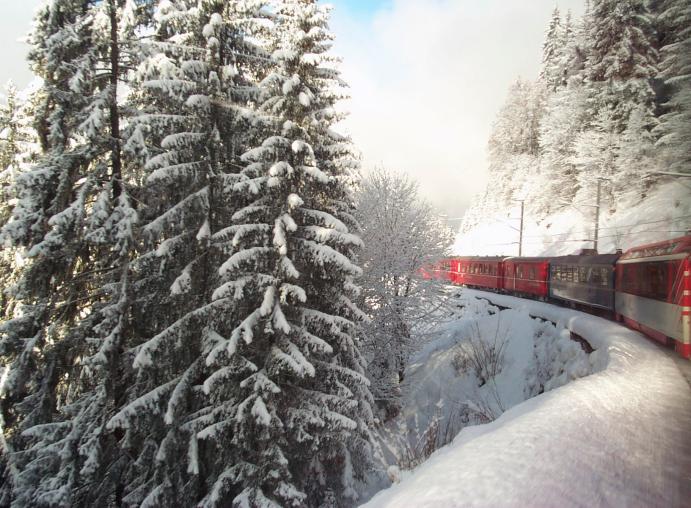 Swiss_Alps_Train_Snow (1)